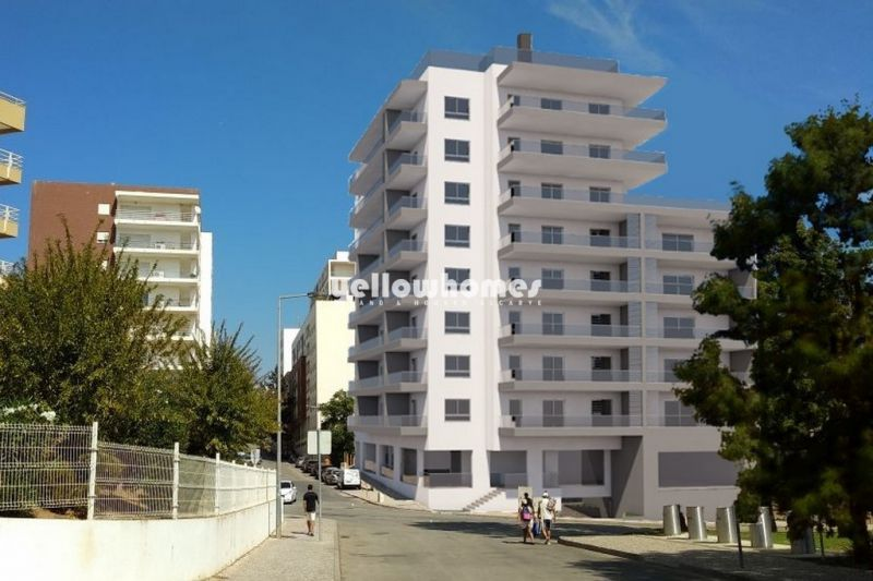 2-Bed apt in a new complex with rooftop pool near the beach in Portimao